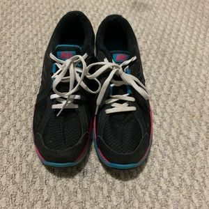 Nike shoes size 7 pink and blue good condition